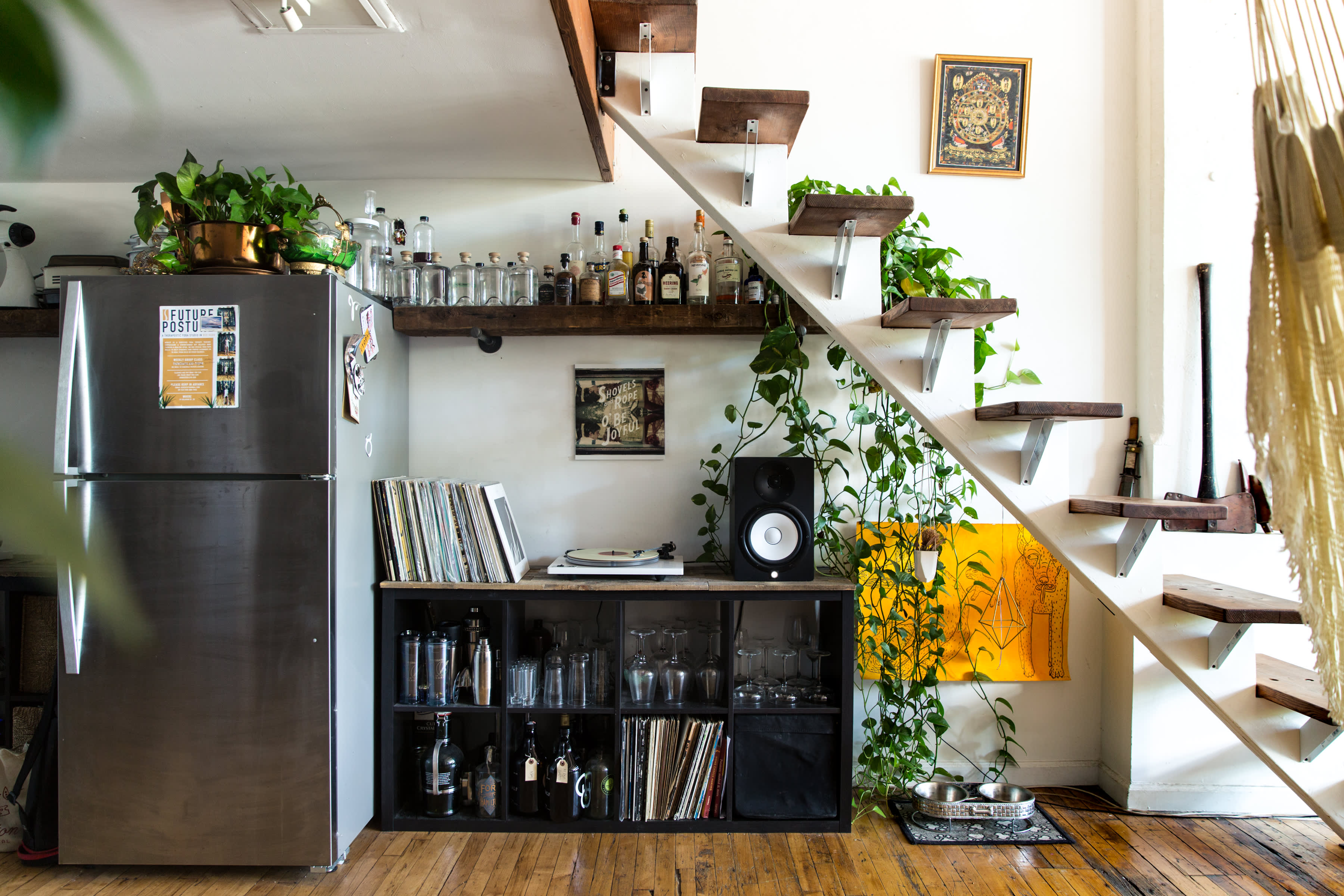Brooklyn Home Tour A Plant Filled Red Hook Loft Apartment Therapy