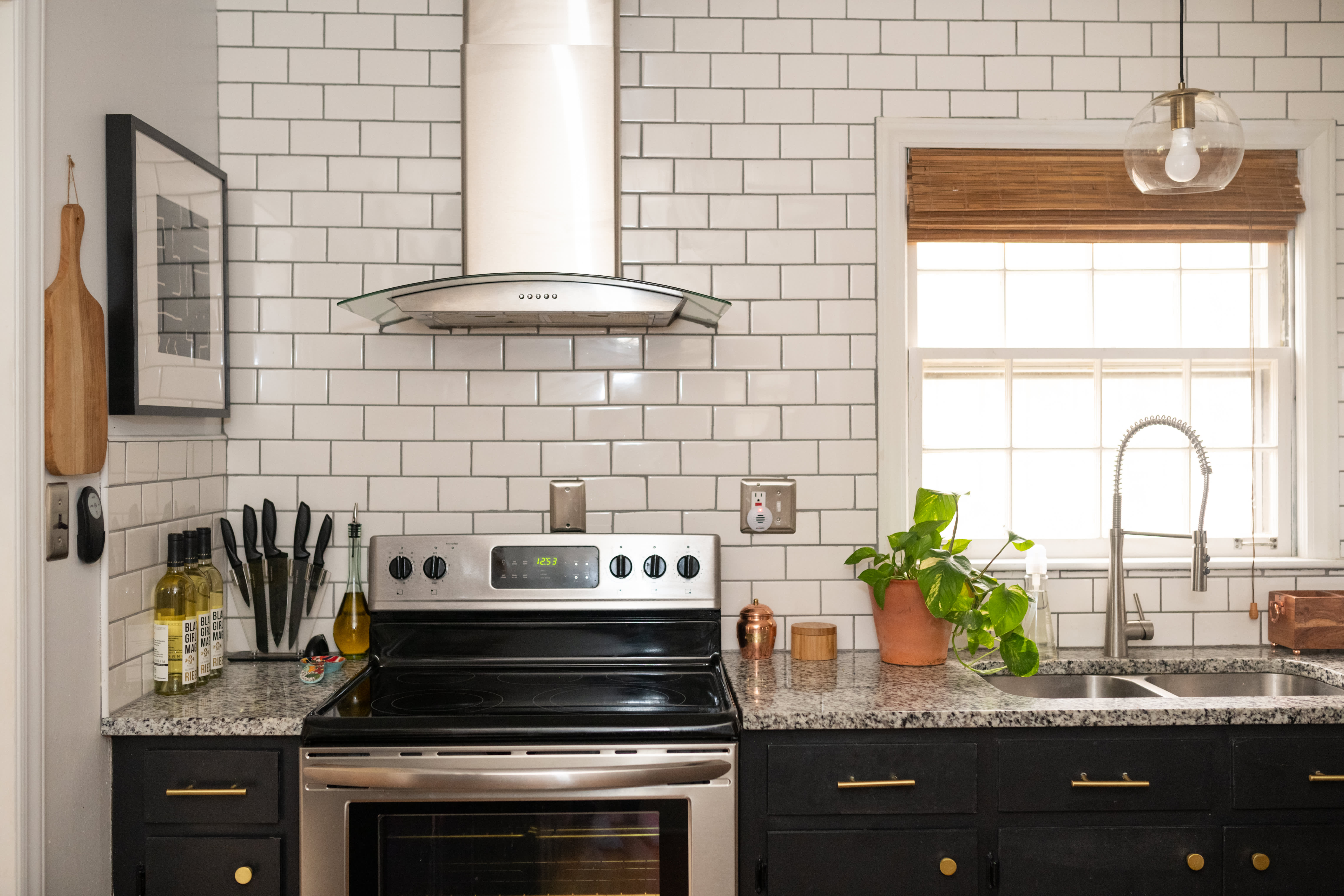 Hi Tech Touchless Kitchen Faucets Are A Growing Trend