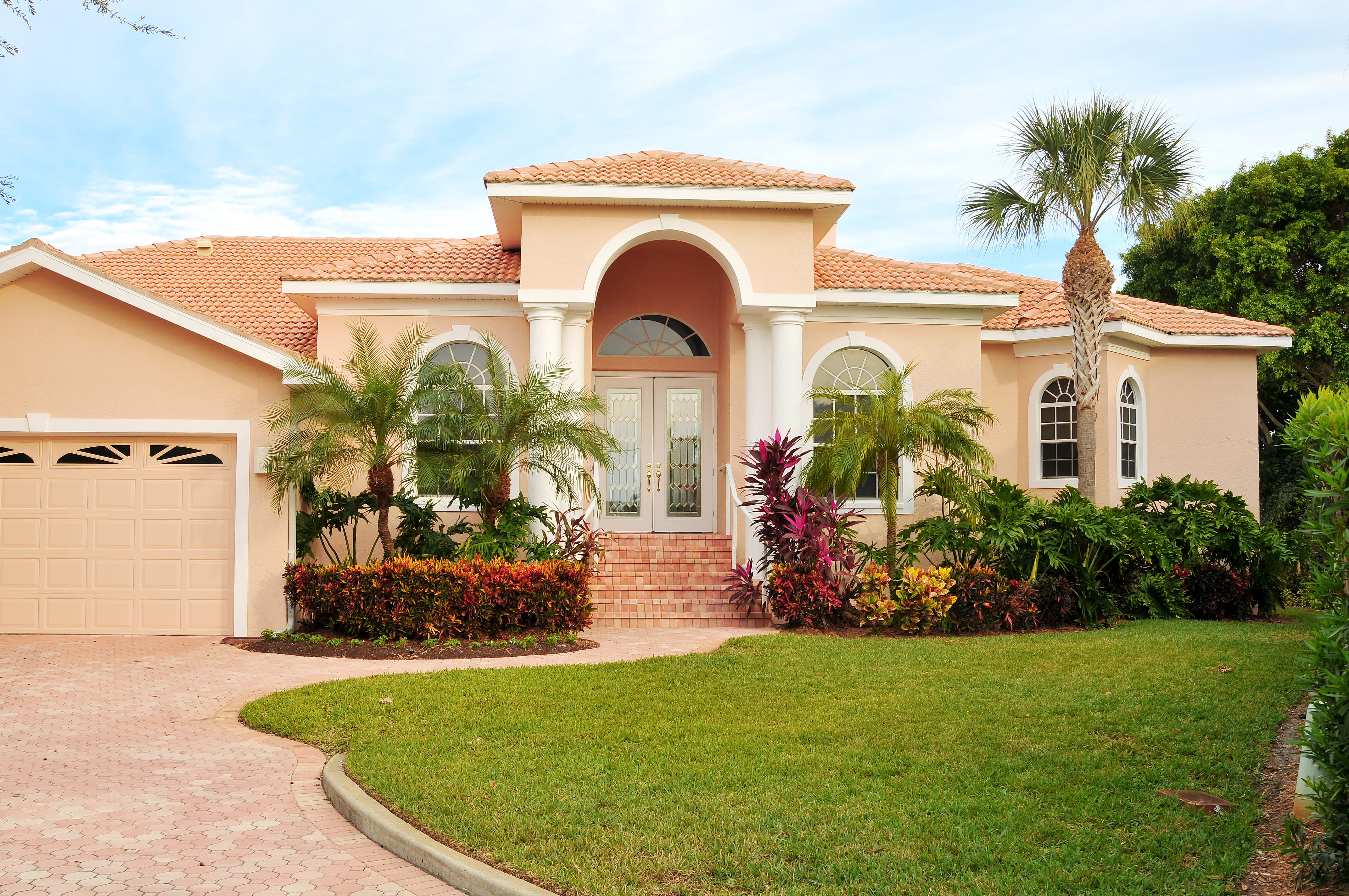 3 Reasons You Should Consider A Stucco House Apartment