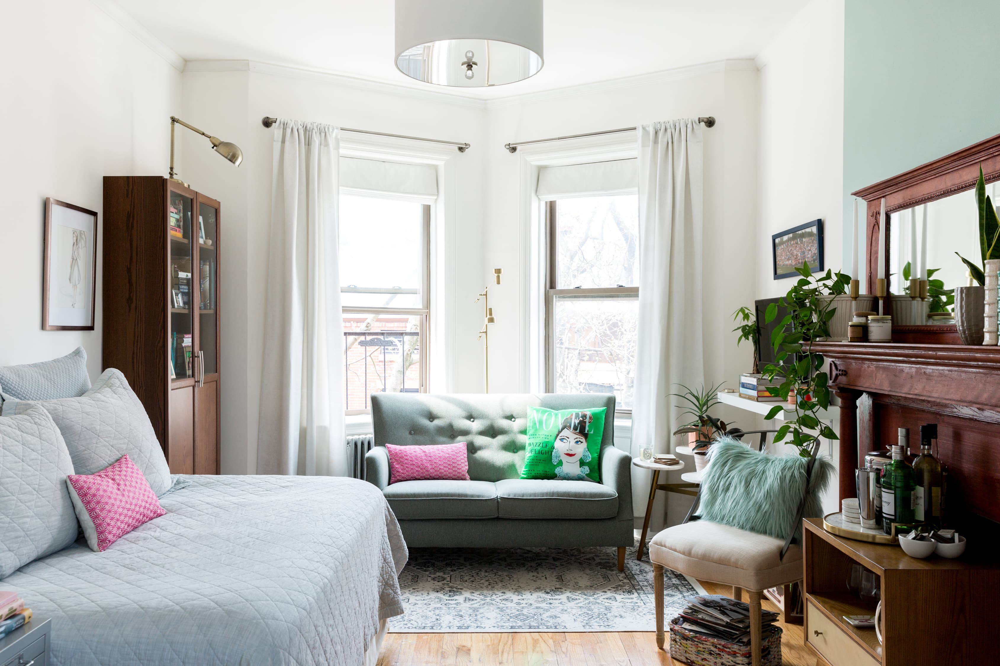 A Super Small 375-Square-Foot Studio Is Masterfully Arranged