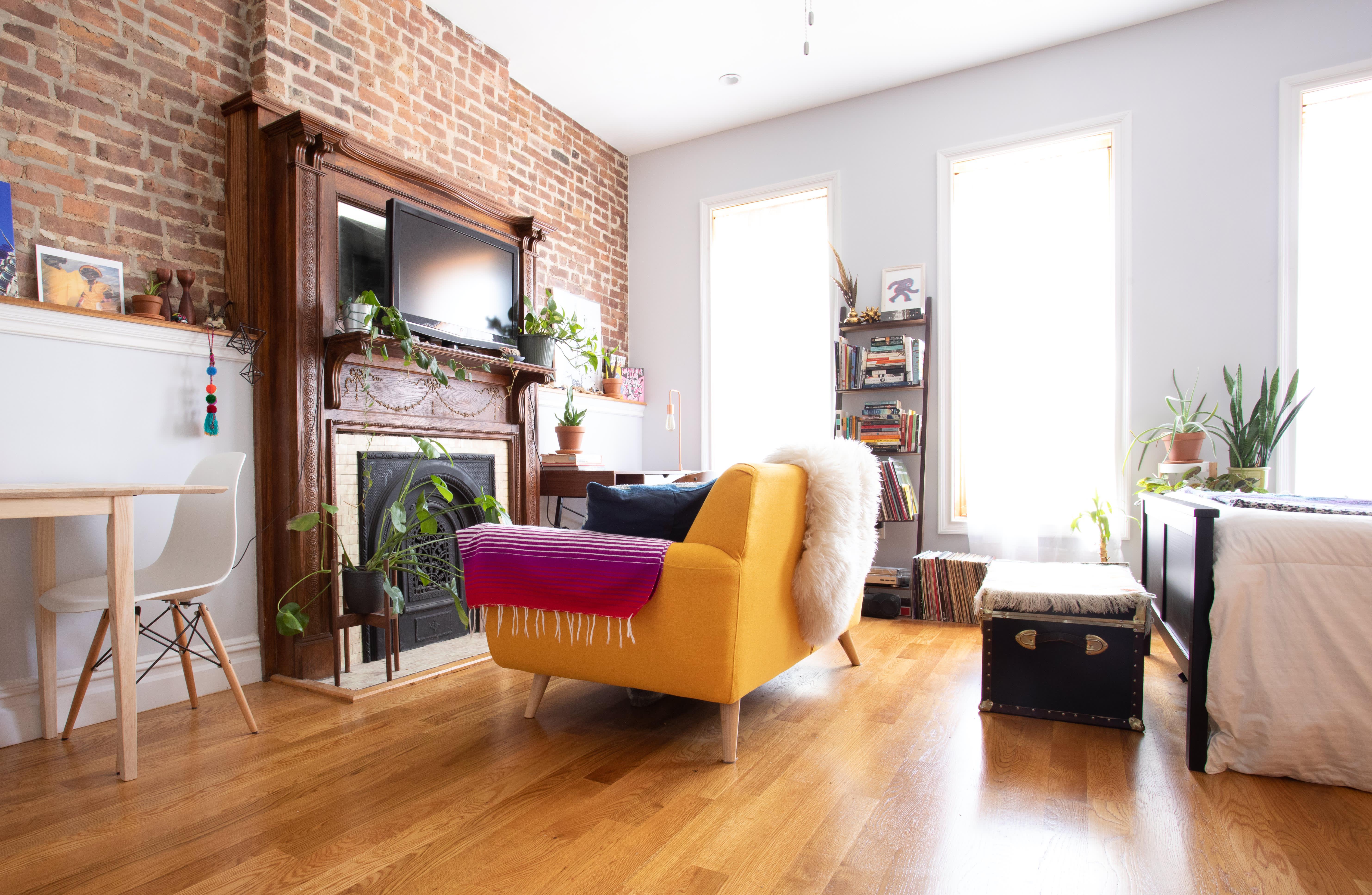 A 208-Square-Foot Brooklyn Studio Apartment Feels Much Bigger