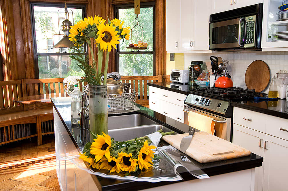 Kitchen Tour: Robert and Elizabeth's Soulful Sterling Place: gallery image 2