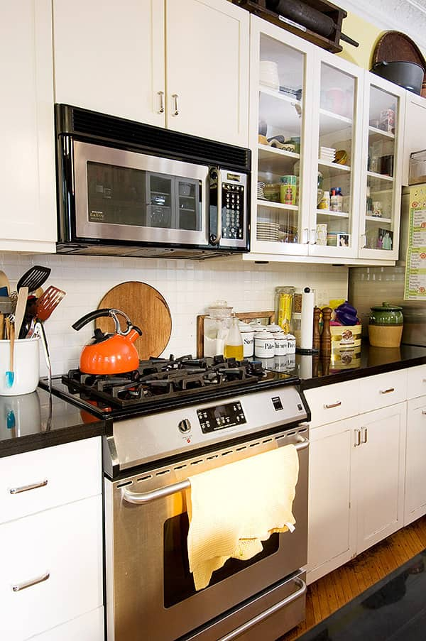 Kitchen Tour: Robert and Elizabeth's Soulful Sterling Place: gallery image 6