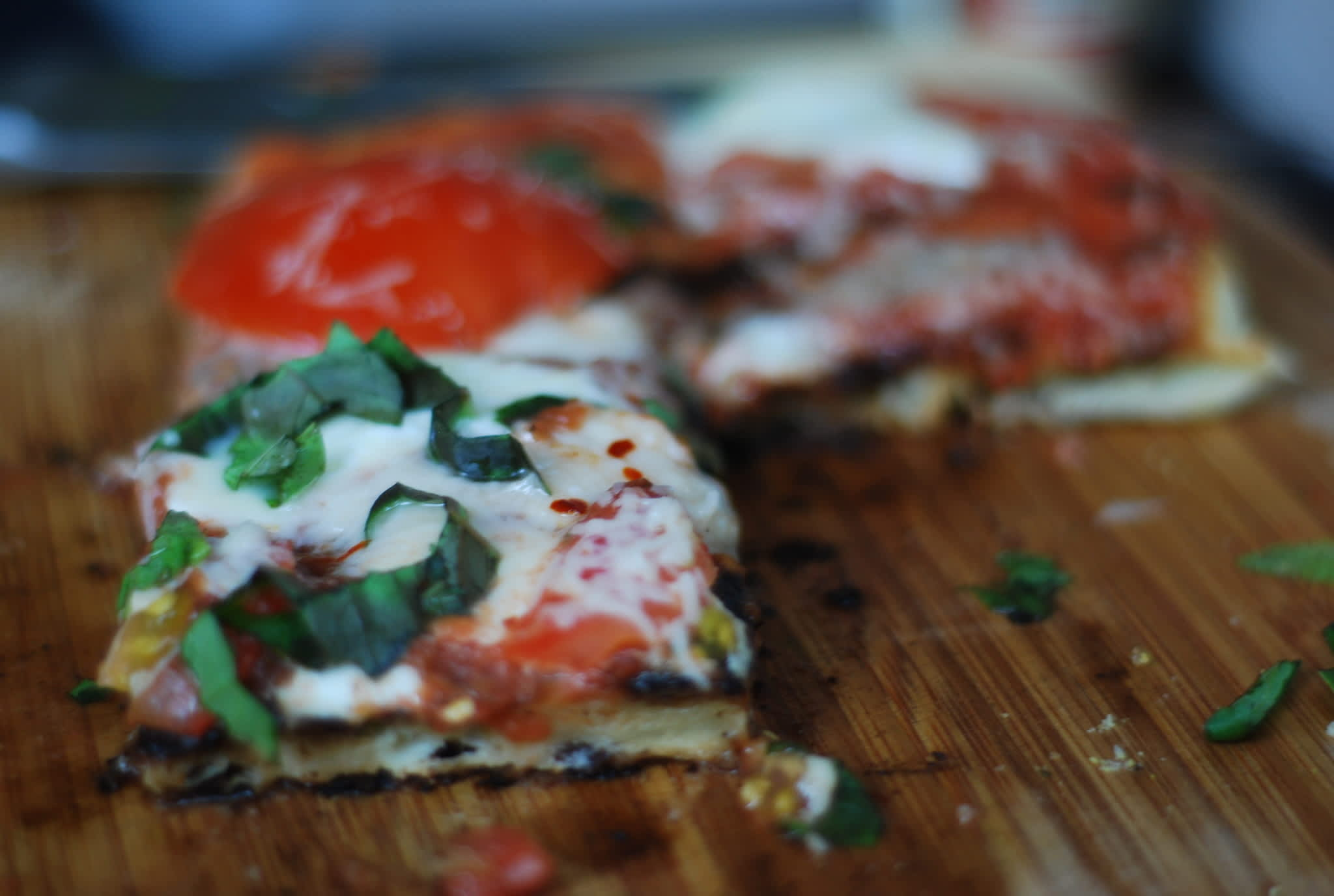 My Great Outdoors: Mark's Grilled Pizza on the Balcony: gallery image 5