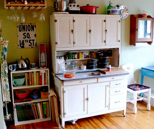 Kitchen Tour: Harry and Taylor of Brooklyn Kitchen: gallery image 4