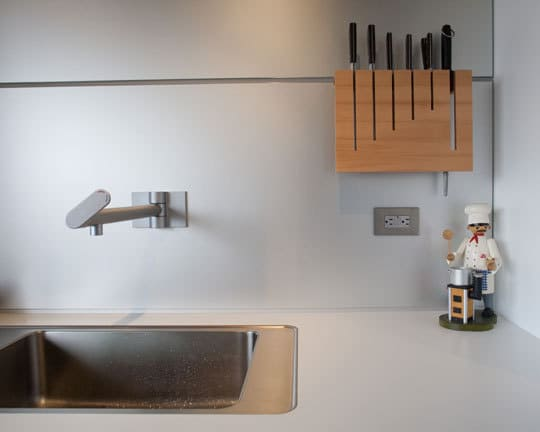 Kitchen Tour: Art & Chelsea's Delicious Kitchen Update: gallery image 5