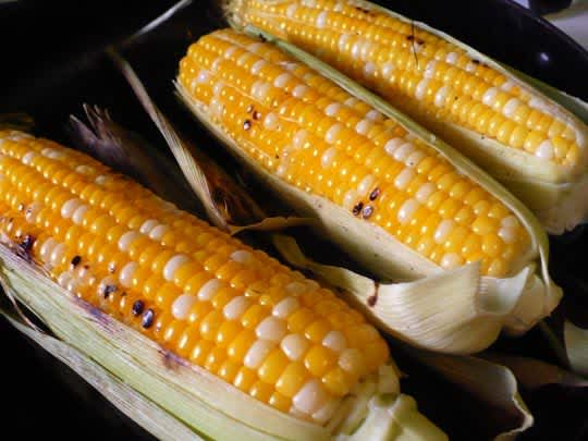 Street Food Recipe: Elote (Roasted Sweet Corn with Cheese): gallery image 4