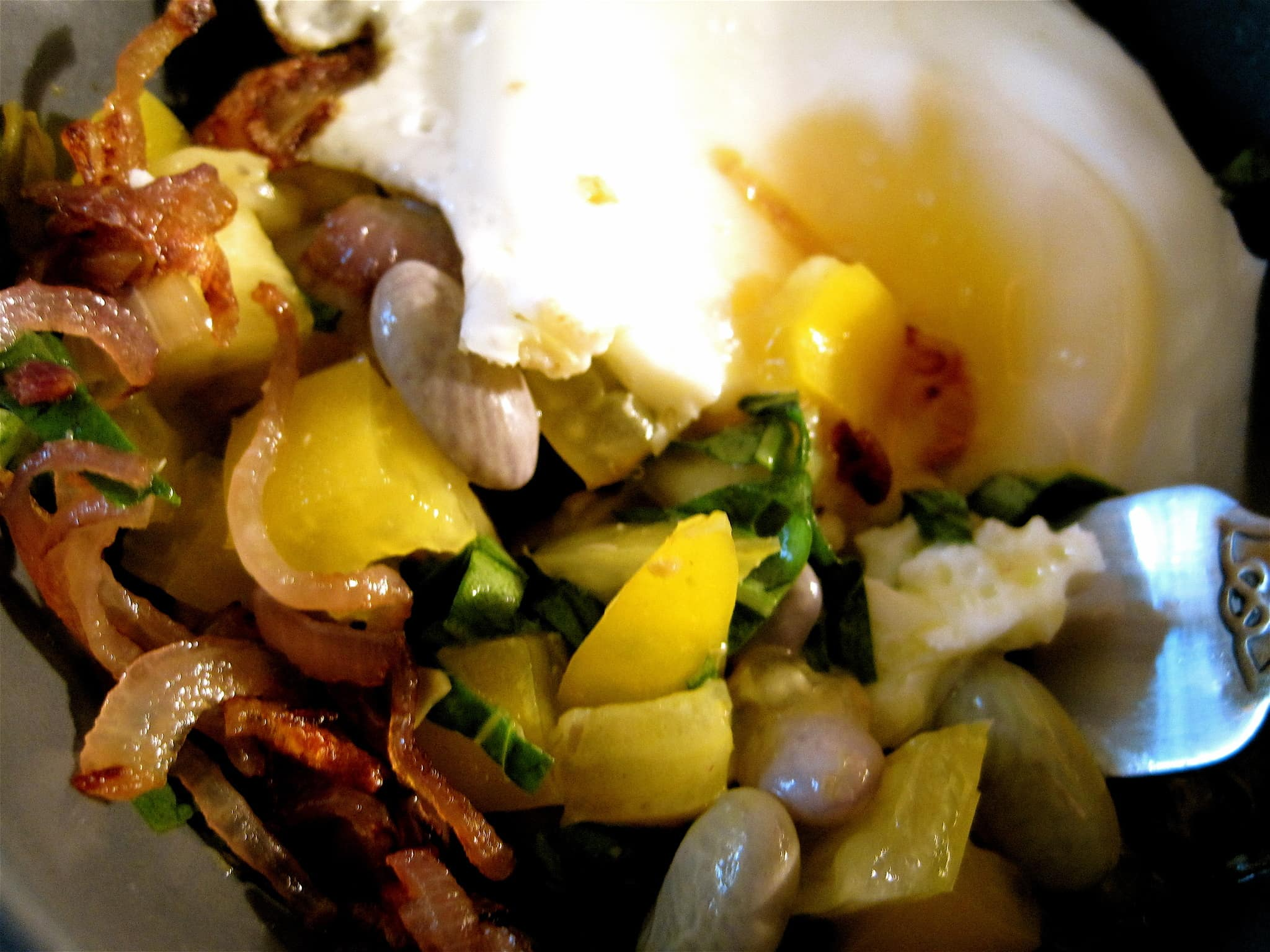 Jill's Cranberry Beans with Onions, Tomatoes and Fried Egg Quick Weeknight Meals Recipe Contest 2009: gallery image 5