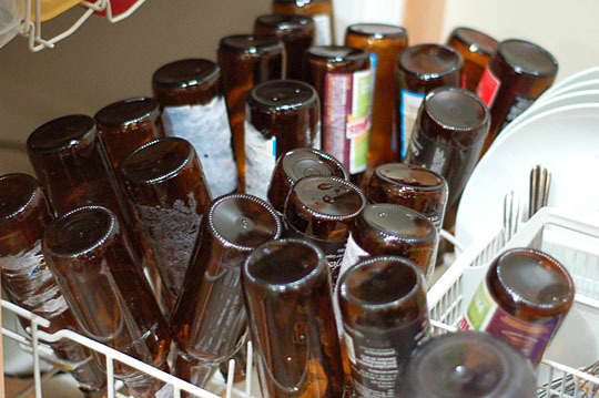 Brewing Beer at Home: Bottling the Homebrew Beer Sessions: gallery image 2