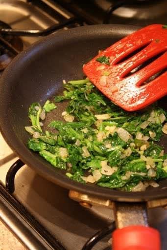 Cara's Spinach-Pie Quesadillas Quick Weeknight Meals Recipe Contest 2009: gallery image 2