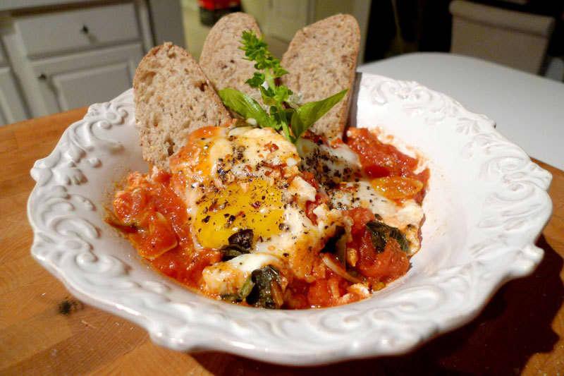 Paul's Uova In Purgatorio Quick Weeknight Meals Recipe Contest 2009: gallery image 1