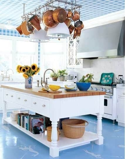 Color Over Your Head! A Gallery of Kitchen Ceilings: gallery image 2