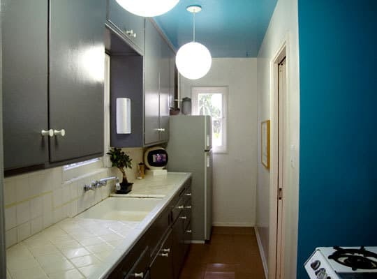 Color Over Your Head! A Gallery of Kitchen Ceilings: gallery image 5