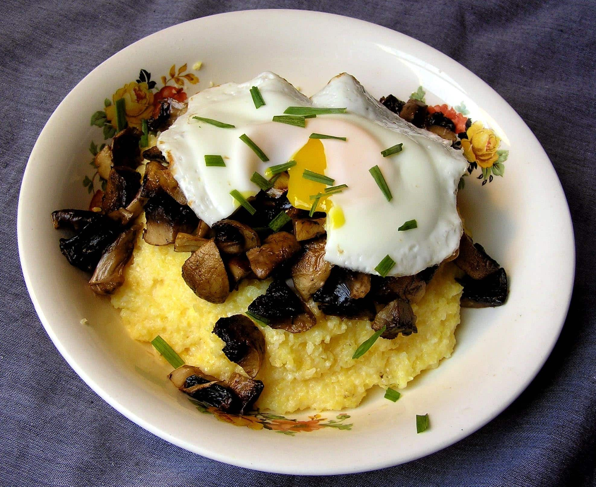 Kasia's Parmesan Polenta with Eggs & Roasted Mushrooms Quick Weeknight Meals Recipe Contest 2009: gallery image 1
