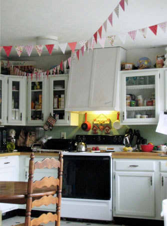 Color Splash: Decorating with Bunting: gallery image 6