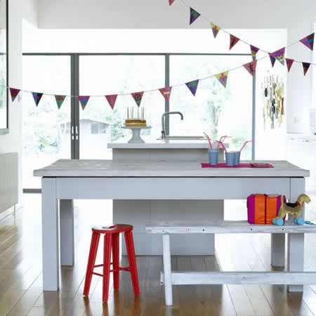 Color Splash: Decorating with Bunting: gallery image 1