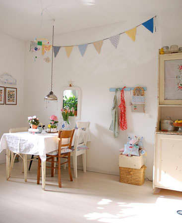 Color Splash: Decorating with Bunting: gallery image 7