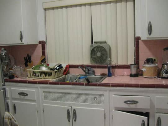 Kitchen Makeover: Anna's Troublesome (Or Not) Pink Tile: gallery image 2