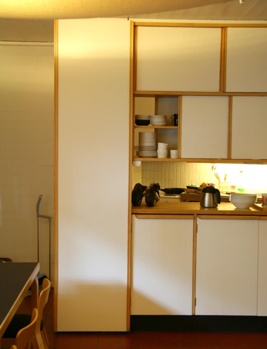 Alvar Aalto's Spare and Simple Studio Kitchen: gallery image 3
