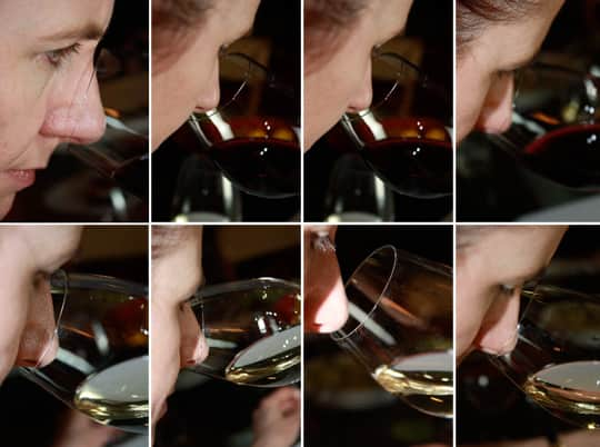 How To Taste Wine Like a Wine Professional: gallery image 3