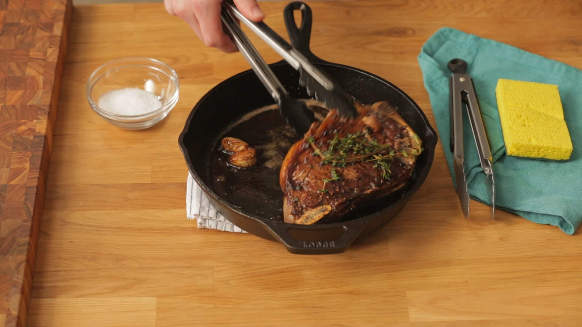 How To Clean a Cast Iron Skillet: gallery image 1