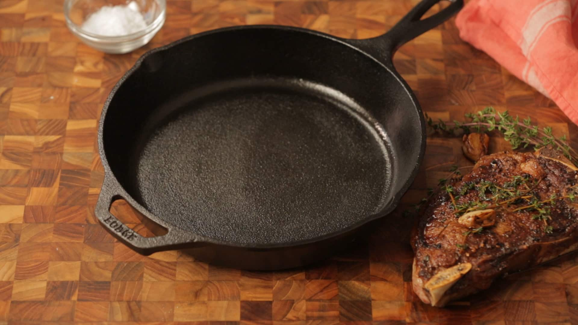 How To Clean a Cast Iron Skillet: gallery image 6