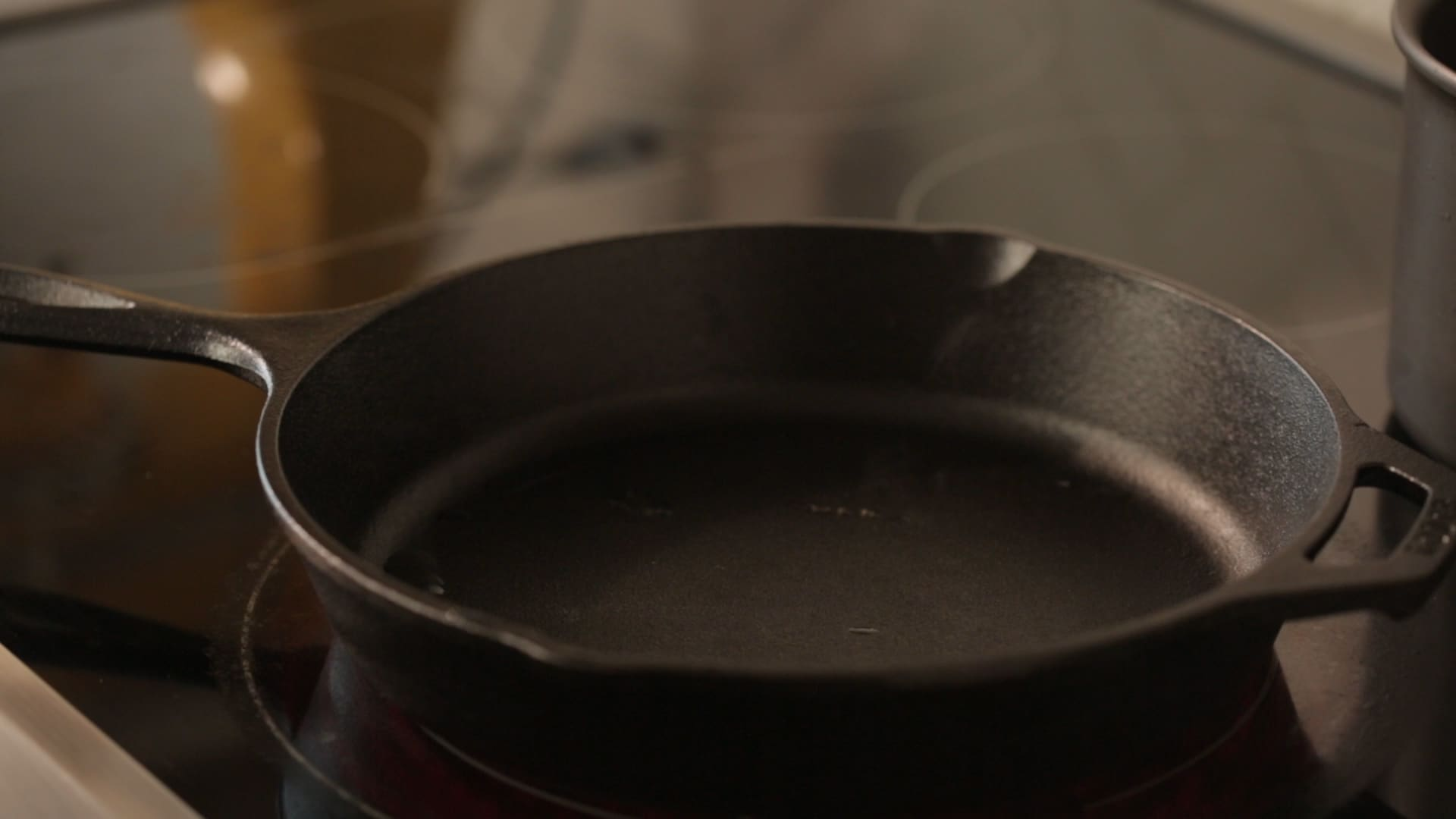 How To Clean a Cast Iron Skillet: gallery image 4