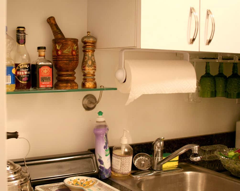 Kitchen Tour: Lauren's First Solo Kitchen: gallery image 10