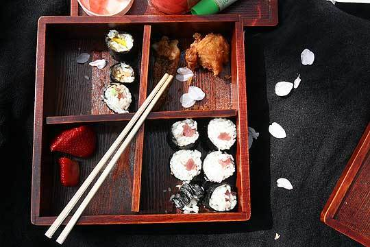 Celebrate Spring With A Hanami Picnic: gallery image 4