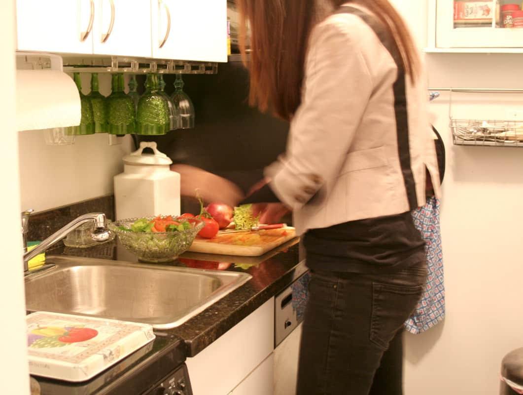 Kitchen Tour: Lauren's First Solo Kitchen: gallery image 12