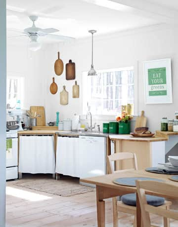 Kitchen Gallery: Bright White + Warm Wood: gallery image 2