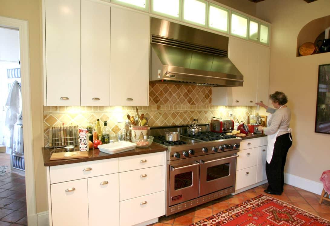 Kitchen Tour: Patricia's One-Stop Kitchen: gallery image 4