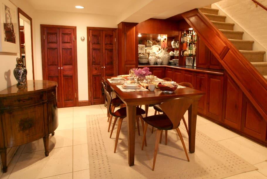 Kitchen Tour: Debbie's Subversive Traditional Comfort: gallery image 19