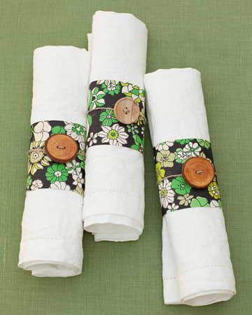 Simply Elegant: Napkin Rings Made of Paper and Ribbon: gallery image 1