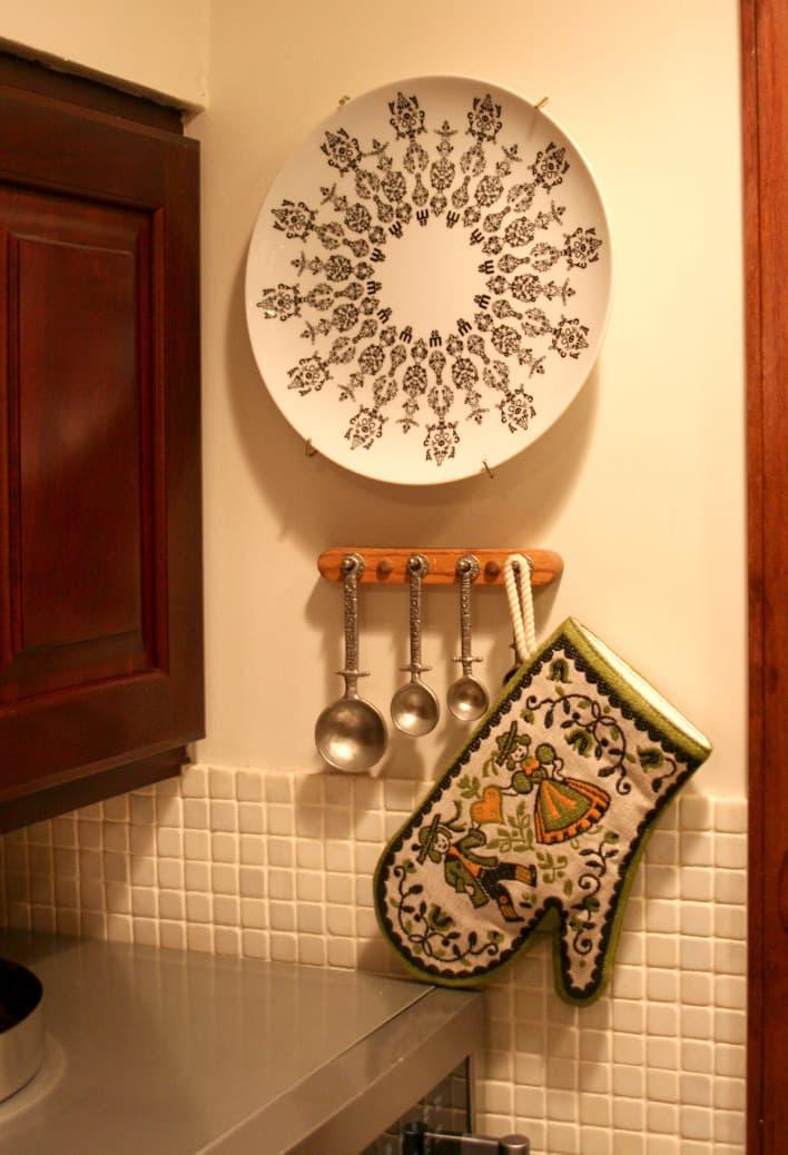 Kitchen Tour: Debbie's Subversive Traditional Comfort: gallery image 8