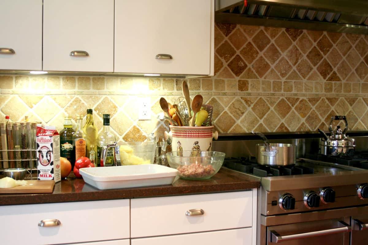 Kitchen Tour: Patricia's One-Stop Kitchen: gallery image 24