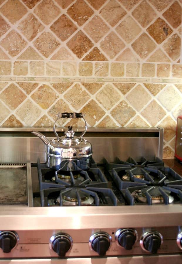 Kitchen Tour: Patricia's One-Stop Kitchen: gallery image 16