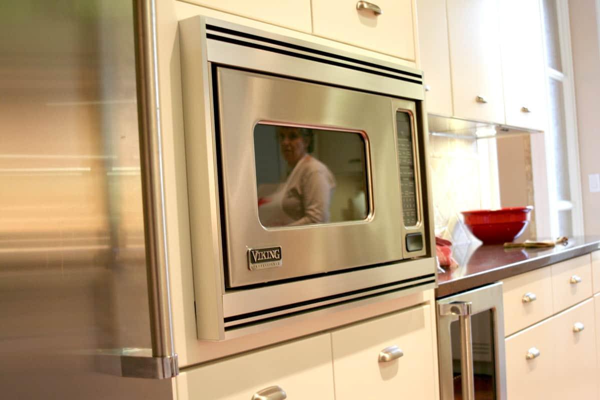 Kitchen Tour: Patricia's One-Stop Kitchen: gallery image 12