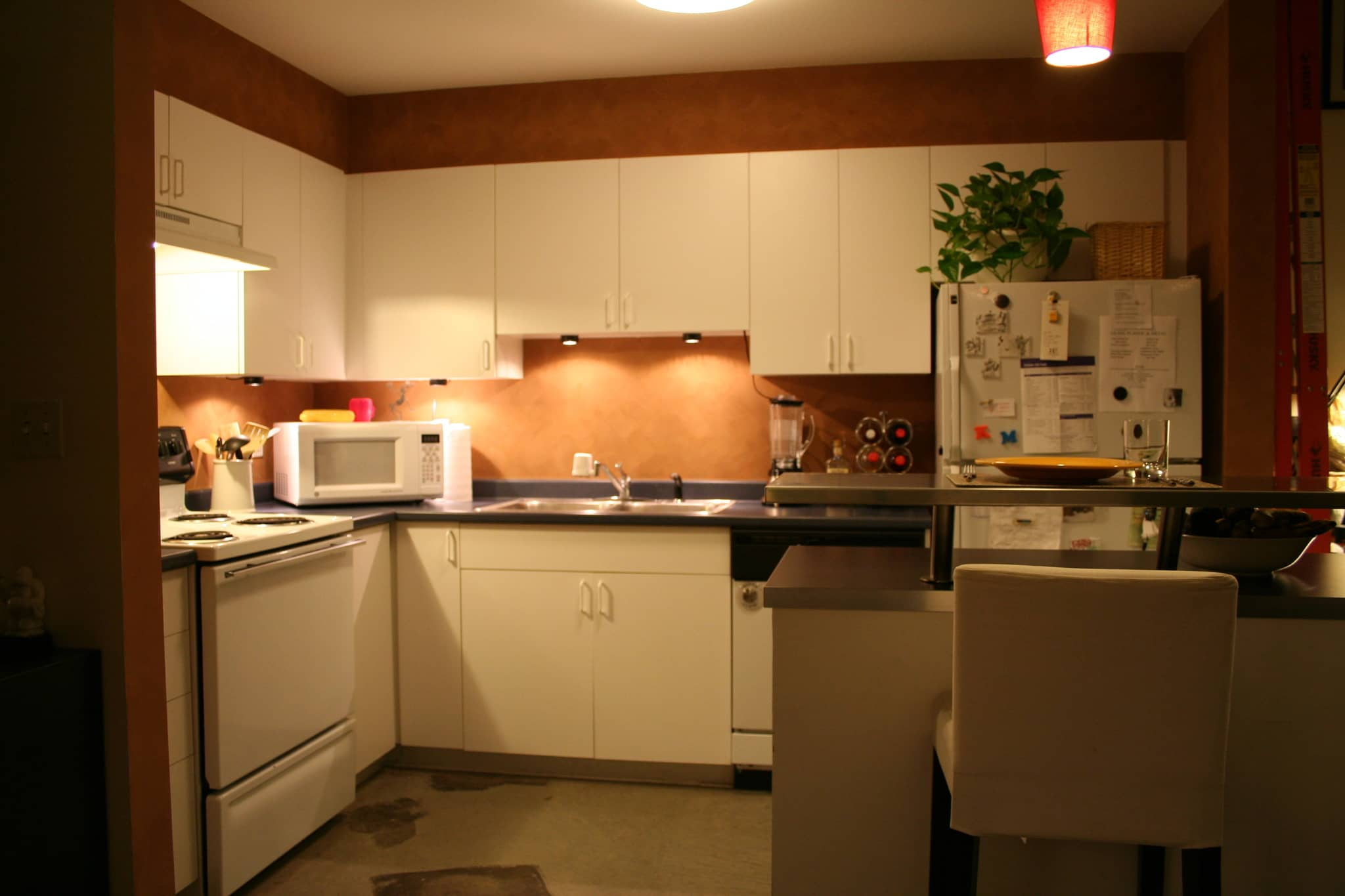 Kate's Creatively Renovated Rental Kitchen: gallery image 2