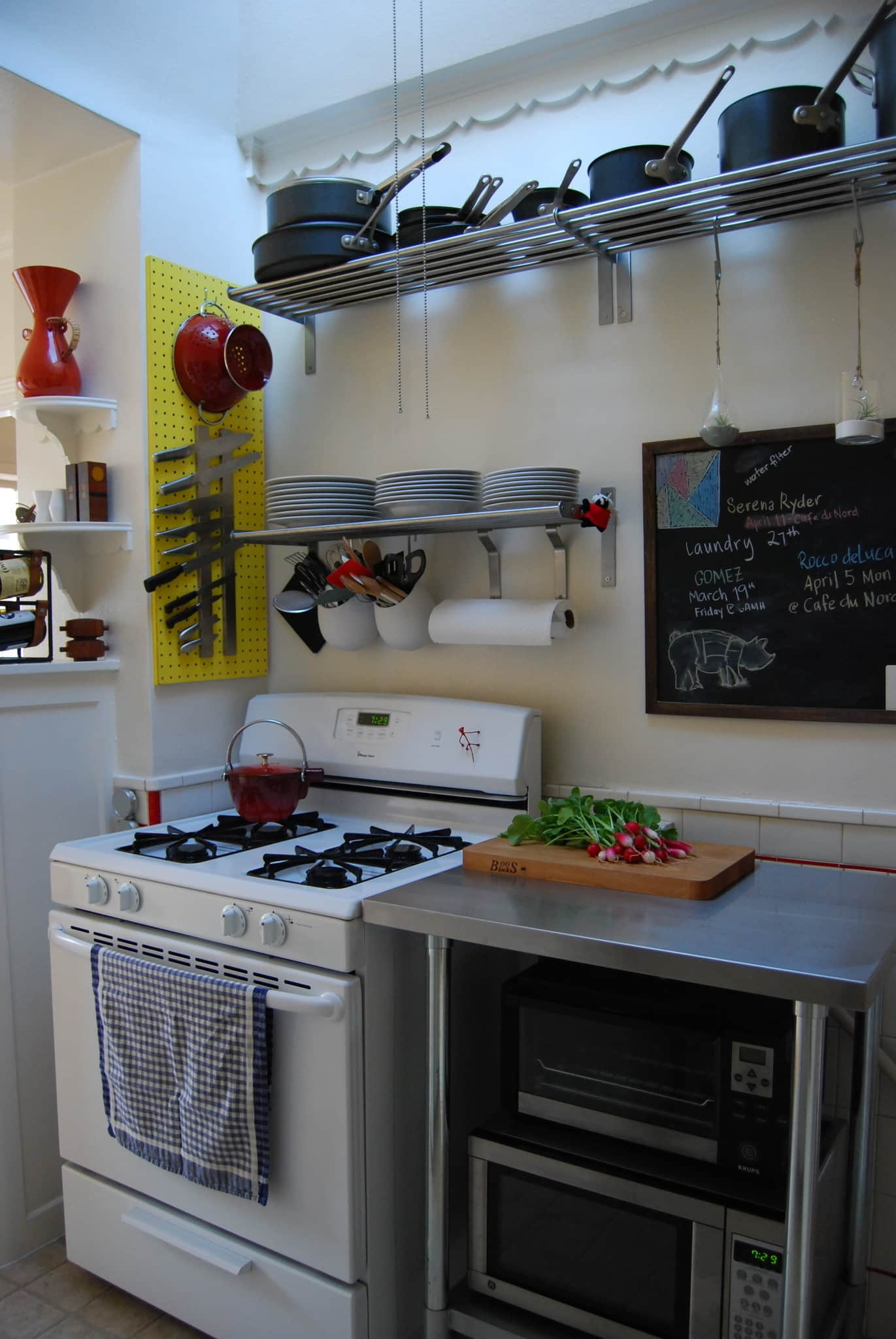 Nikki's San Francisco Kitchen with Character: gallery image 5