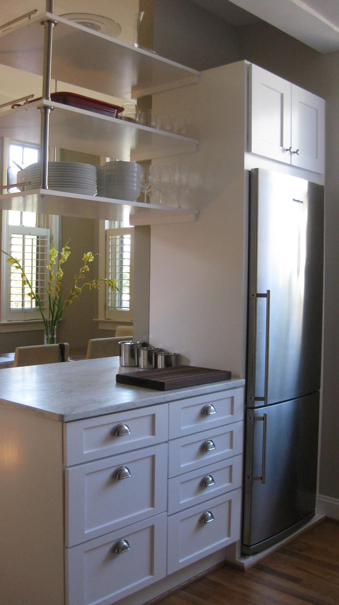 Lucy's Classic Yet Modern Kitchen in Washington D.C.: gallery image 3
