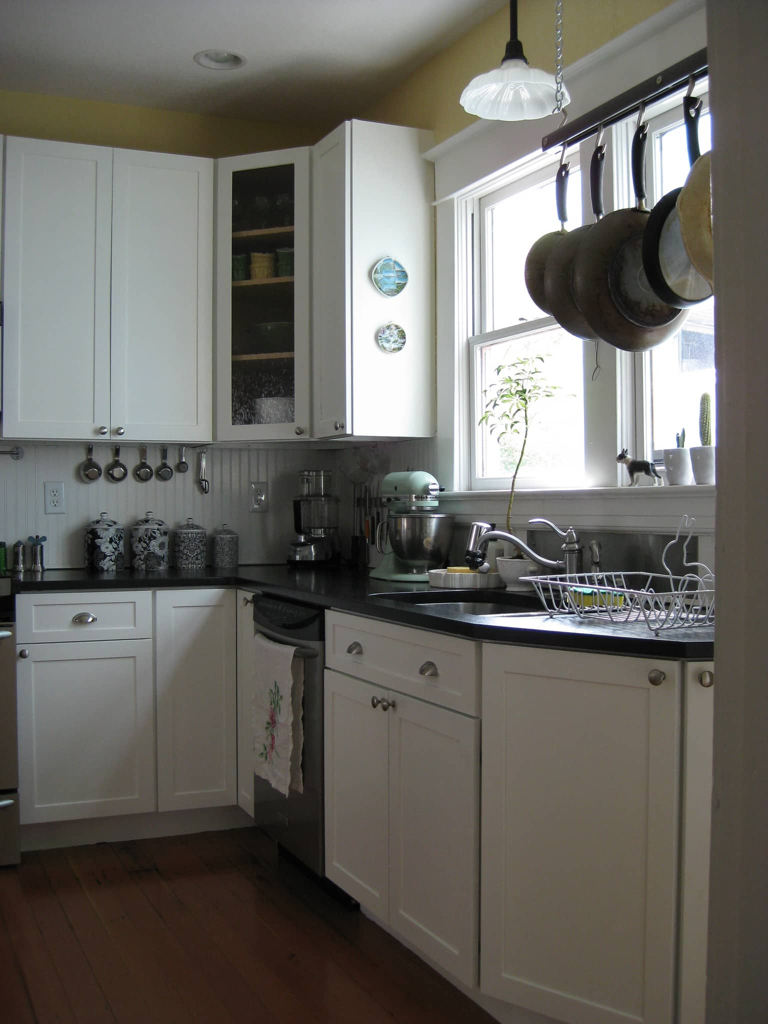 Brittany's New Bright White Portland Kitchen: gallery image 4