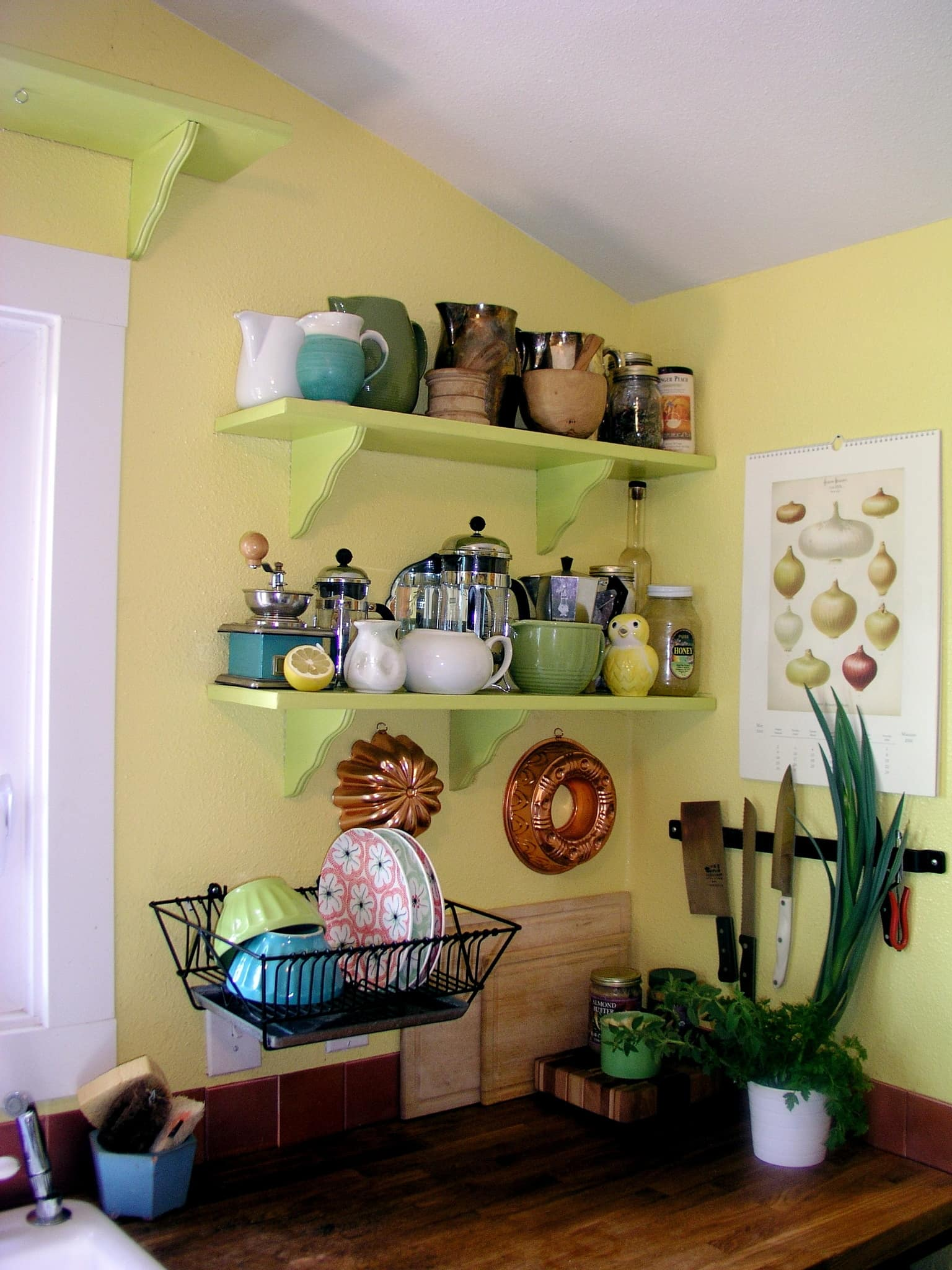 Ariana's Cheerful, Colorful Portland Kitchen: gallery image 4