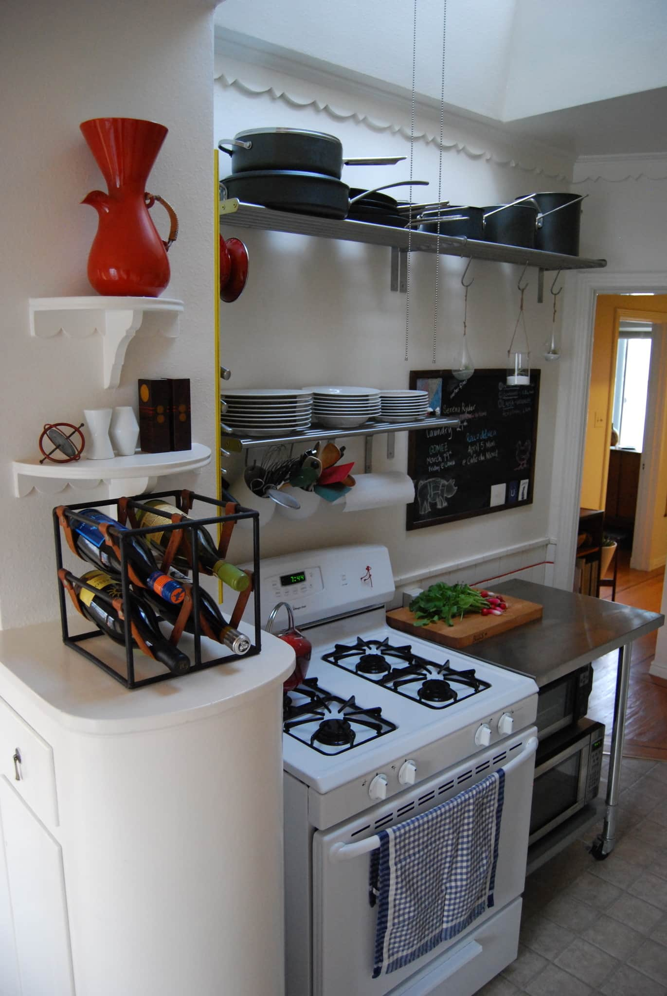 Nikki's San Francisco Kitchen with Character: gallery image 2