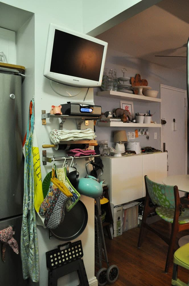 Kristin's Tiny Black and White New York Kitchen: gallery image 4