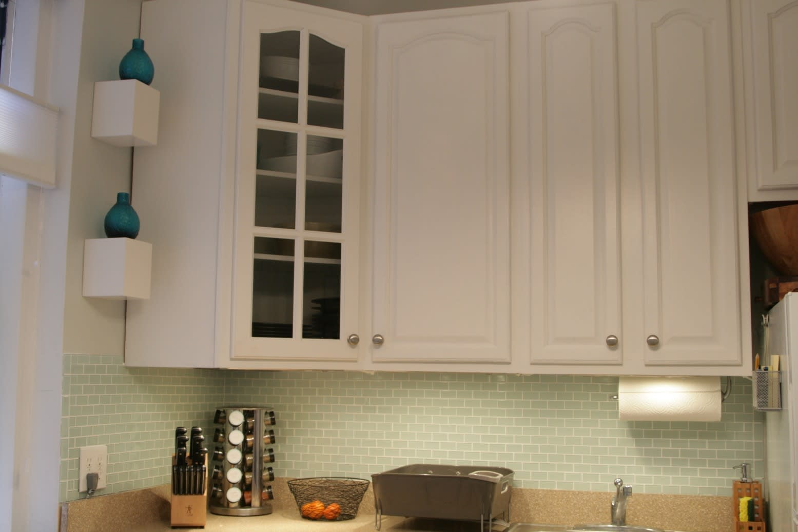 Valerie's Fresh and Updated Kew Gardens Kitchen: gallery image 1