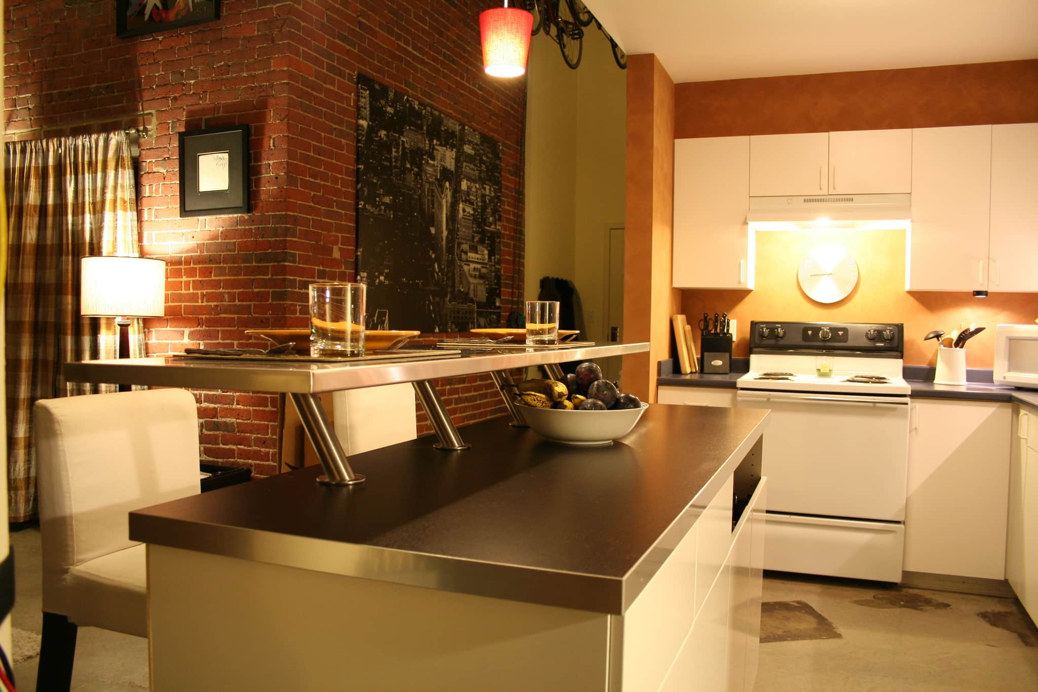 Kate's Creatively Renovated Rental Kitchen: gallery image 5