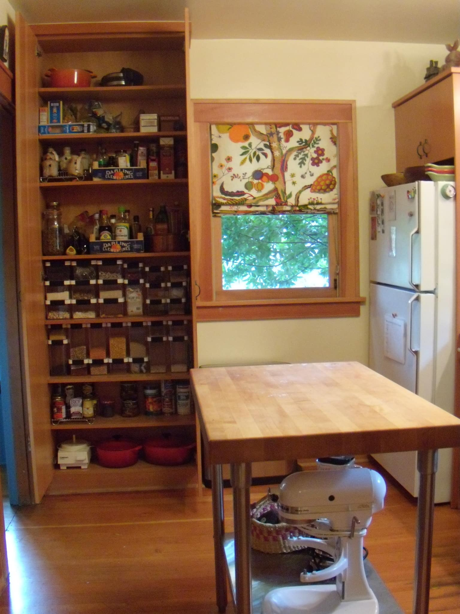 Tracy's Colorful Portland Bungalow Kitchen: gallery image 2