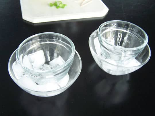 How To Make Ice Bowls: gallery image 3