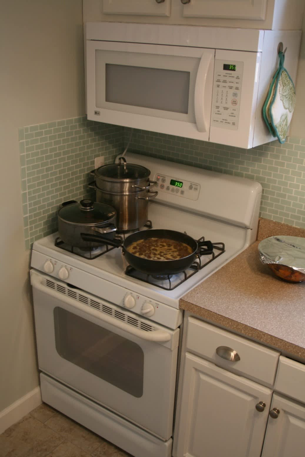 Valerie's Fresh and Updated Kew Gardens Kitchen: gallery image 4